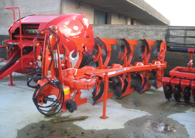 NEW Kuhn Ploughs